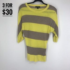 Jessica girl med 10-12 shirt yellow grey stripes